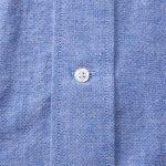 オックスフォードロングスリーブシャツ(OXブルー)のボタン