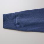 5.6オンスピグメントダイ染め加工のロングスリーブTシャツの袖拡大画像