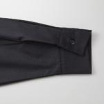 T/C生地のオープンカラーロングスリーブシャツ(ブラック)の袖画像