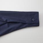 T/C生地のワークロングスリーブシャツ(ダークネイビー)の袖元画像