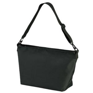 ポリエステル素材のショルダーバッグ(ブラック)